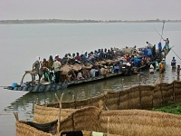 Click image for larger version.  Name:nigerianboat-2.jpg Views:19 Size:100.2 KB ID:15714